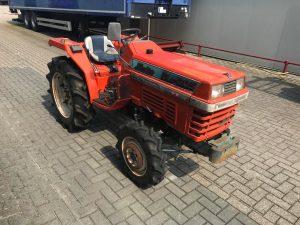 Kubota L1-205 Sunshine Minitractor 4WD (2)